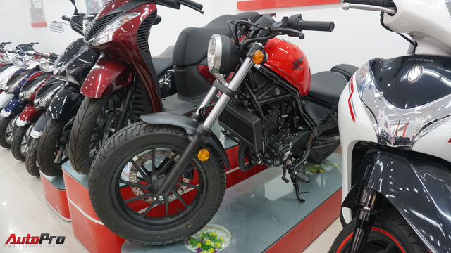 Honda Rebel 300 ngày đầu bán tại Việt Nam: Lạc lõng, không bị thổi giá nhưng khan hàng - Ảnh 7.