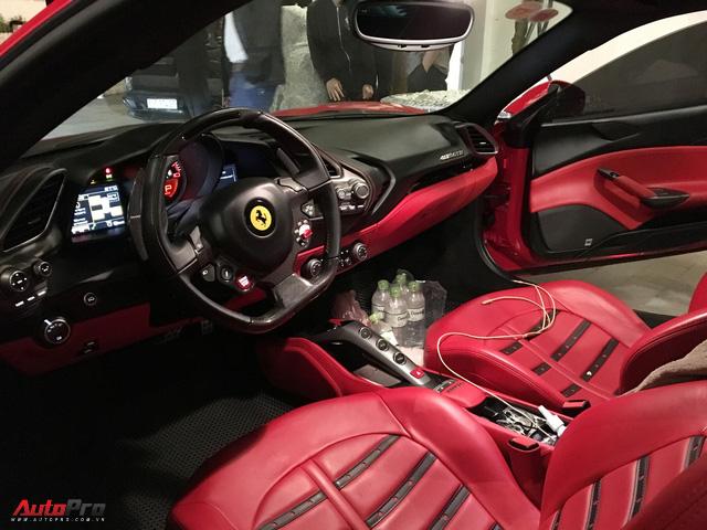 Ca sĩ Tuấn Hưng chăm sóc siêu xe Ferrari 488 GTB trong đêm trước ngày từ Sapa về Hà Nội - Ảnh 5.