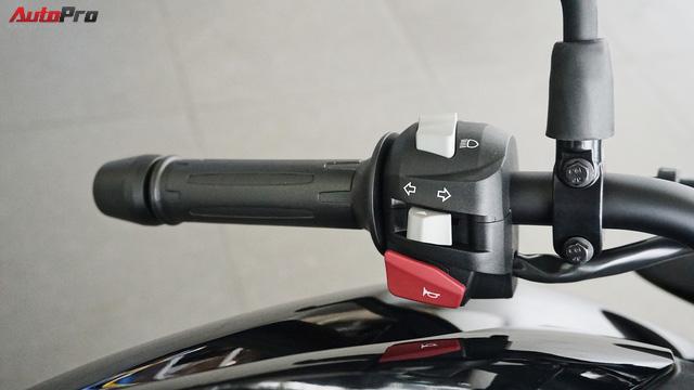 Cận cảnh BMW G 310 R - Nakedbike giá mềm cho biker mới chơi xe tại Việt Nam - Ảnh 11.