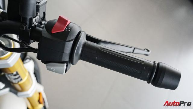 Cận cảnh BMW G 310 R - Nakedbike giá mềm cho biker mới chơi xe tại Việt Nam - Ảnh 12.