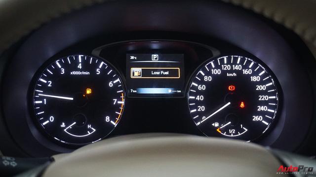Cạnh tranh Toyota Camry, Nissan Teana nhập khẩu giảm giá gần 300 triệu đồng chỉ sau 3 tháng - Ảnh 10.
