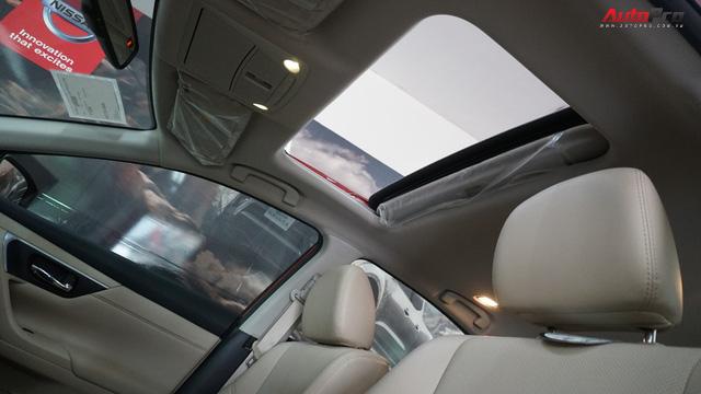 Cạnh tranh Toyota Camry, Nissan Teana nhập khẩu giảm giá gần 300 triệu đồng chỉ sau 3 tháng - Ảnh 13.