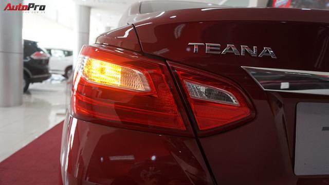 Cạnh tranh Toyota Camry, Nissan Teana nhập khẩu giảm giá gần 300 triệu đồng chỉ sau 3 tháng - Ảnh 8.