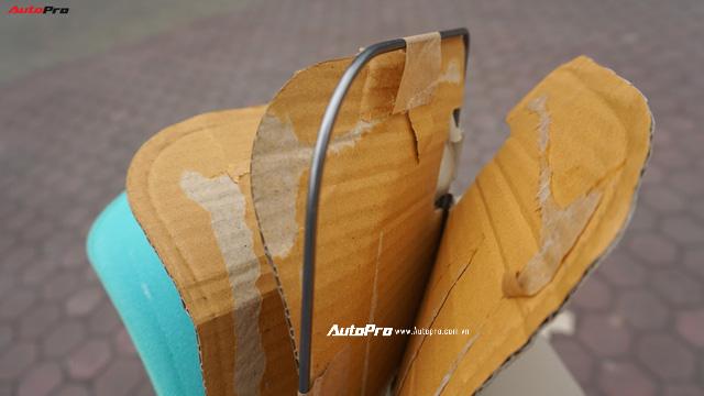 Tự phá tấm che nắng Toyota Vios: Khung sắt, 2 lớp mút và 3 tấm bìa carton - Ảnh 3.