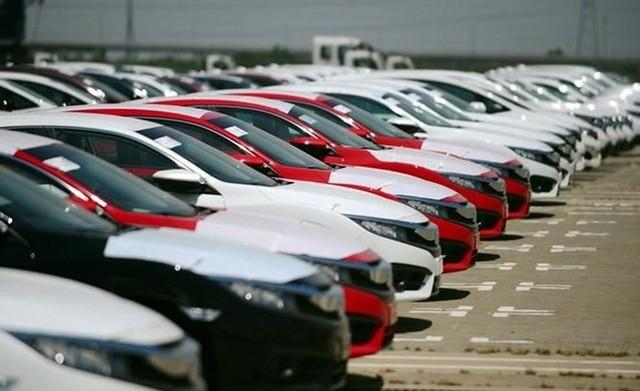 Một thập kỷ, hai thái cực ô tô nhập khẩu  - Ảnh 1.