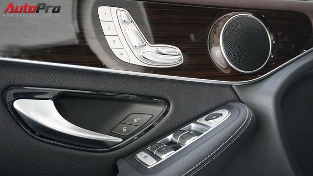Trải nghiệm nhanh Mercedes-Benz GLC 200 - Sứ mệnh lấy khách phổ thông tại Việt Nam - Ảnh 9.