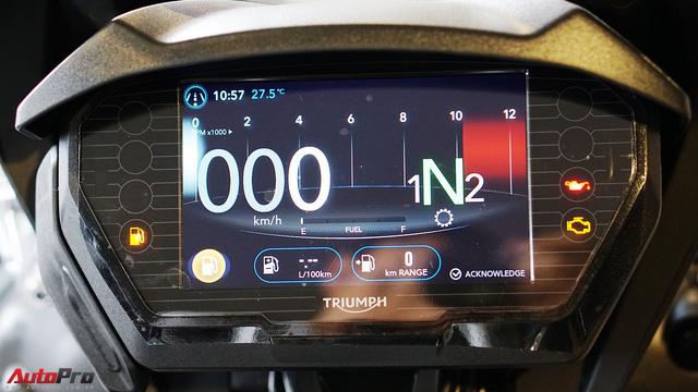 Triumph Tiger 800 XCa đầu tiên về Việt Nam với giá 660 triệu đồng: Đắt có xắt ra miếng? - Ảnh 11.