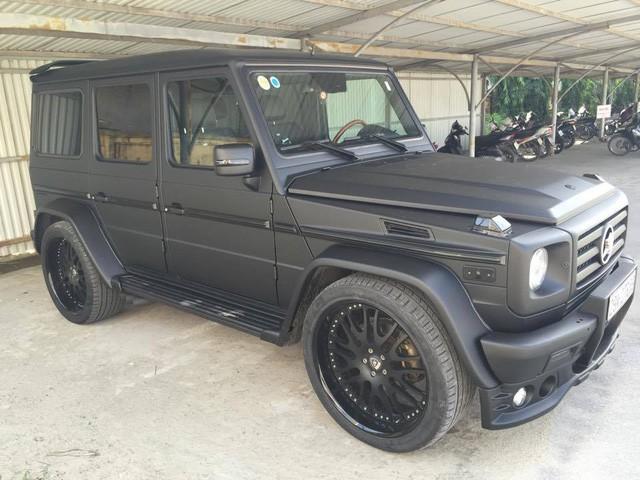 Chồng siêu mẫu Ngọc Thạch khoe dàn xe khủng toàn màu đen trong hầm để xe riêng - Ảnh 4.