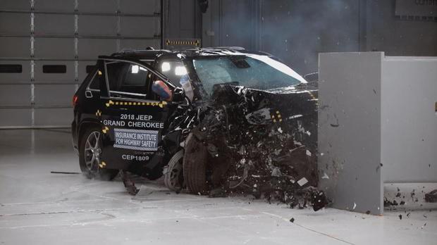 Ford Explorer bị chấm điểm siêu tồi trong bài thử va chạm, thua xa Kia Sorento - Ảnh 3.