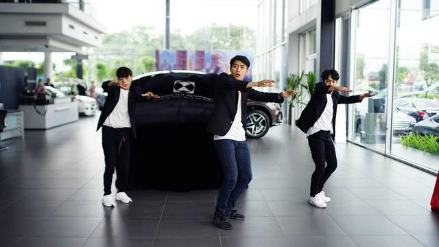 Hoa hậu Hương Giang mua Mercedes-Benz GLC 300 - Ảnh 2.