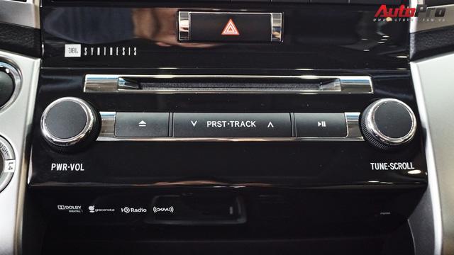 Giữ giá như Toyota Land Cruiser: Đi 3 năm vẫn bán được gần 5 tỷ đồng - Ảnh 12.