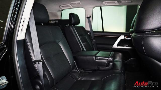 Giữ giá như Toyota Land Cruiser: Đi 3 năm vẫn bán được gần 5 tỷ đồng - Ảnh 18.
