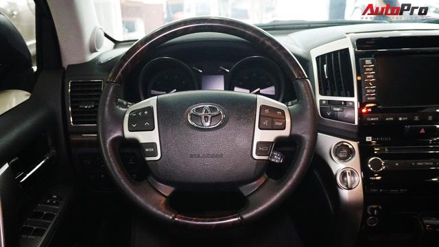 Giữ giá như Toyota Land Cruiser: Đi 3 năm vẫn bán được gần 5 tỷ đồng - Ảnh 9.