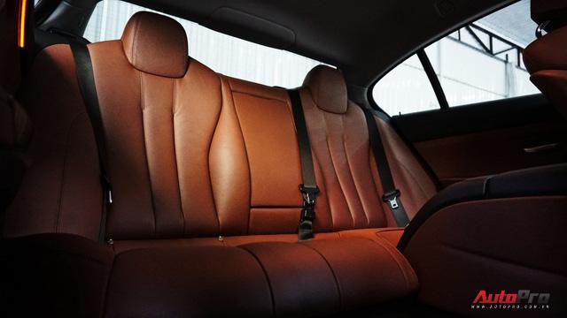 Bán xe chạy chưa tới 2 vạn km, chủ xe BMW 6 Series Gran Coupe đã lỗ mất 2 tỷ đồng. - Ảnh 22.
