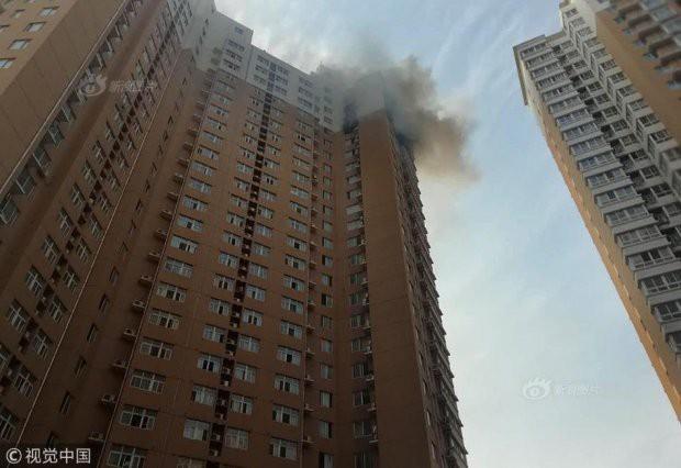 Sạc xe điện trên tầng 23 gây hỏa hoạn chung cư - Ảnh 2.