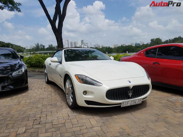 Offline kiểu đại gia: Mang dàn xe sang Maserati đi thưởng trà tại Sài Gòn - Ảnh 2.