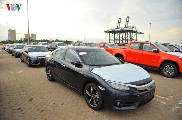 Hình ảnh xe nhập khẩu đỗ thành hàng dài ở cảng Hiệp Phước tại TP HCM - Ảnh 11.