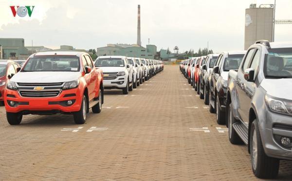 Hình ảnh xe nhập khẩu đỗ thành hàng dài ở cảng Hiệp Phước tại TP HCM - Ảnh 17.