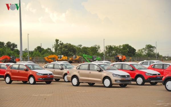 Hình ảnh xe nhập khẩu đỗ thành hàng dài ở cảng Hiệp Phước tại TP HCM - Ảnh 7.
