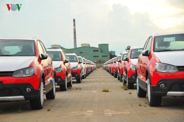 Hình ảnh xe nhập khẩu đỗ thành hàng dài ở cảng Hiệp Phước tại TP HCM - Ảnh 8.