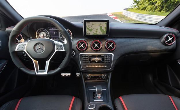 Mercedes-Benz A45 AMG bán lại giá 1,65 tỷ đồng sau 2 năm sử dụng - Ảnh 4.