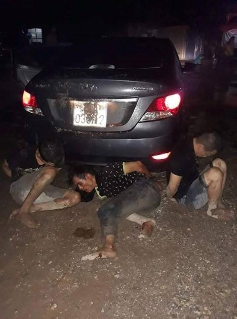 Hải Phòng: Chui vào nhà Trưởng công an xã trộm xe máy, nhóm đạo chích bị tóm gọn - Ảnh 1.