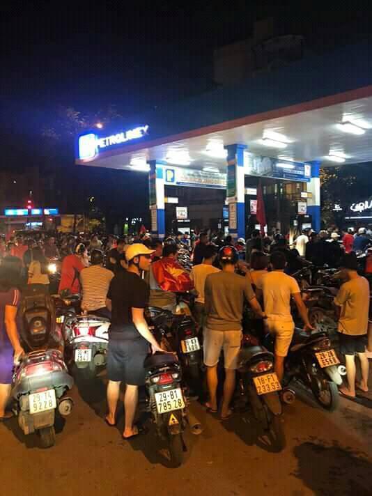 Màn dự đoán tỉ số trận U23 Việt Nam - U23 Syria của chiếc xe khách khiến dân mạng thích thú - Ảnh 8.