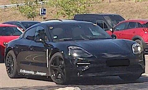 Porsche Taycan xuất hiện ngoài đời thực - Ảnh 1.