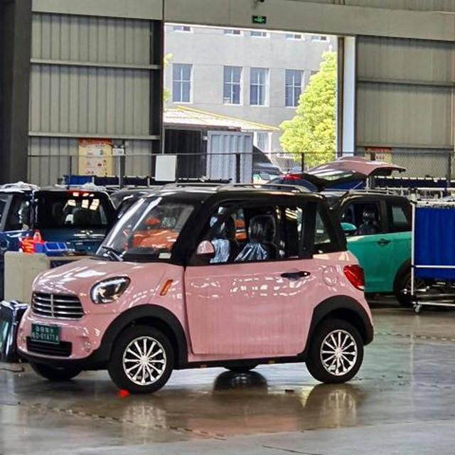 Ô tô điện mini bán cực chạy ở Thái Lan: Về Việt Nam chỉ hơn 100 triệu đồng - Ảnh 1.