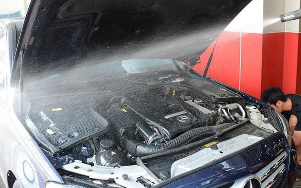 Những sai lầm tai hại khi tự rửa ô tô tại nhà - Ảnh 3.
