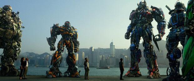 Fan Việt chế tạo robot như Transformers: Nói được tiếng Việt, làm từ phế liệu xe máy Honda và SYM - Ảnh 2.