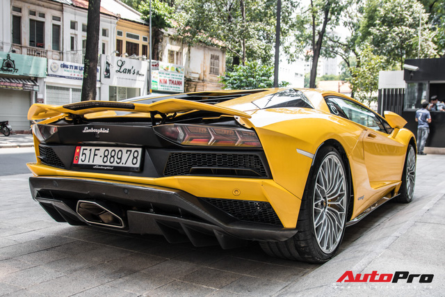 Lamborghini Aventador S 45 tỷ của đại gia Hoàng Kim Khánh bất ngờ xuất hiện tại Sài Gòn - Ảnh 3.