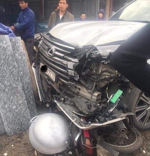 Hà Nội: Xe Lexus biển ngũ quý gây tai nạn khiến 1 người phụ nữ tử vong tại chỗ - Ảnh 1.