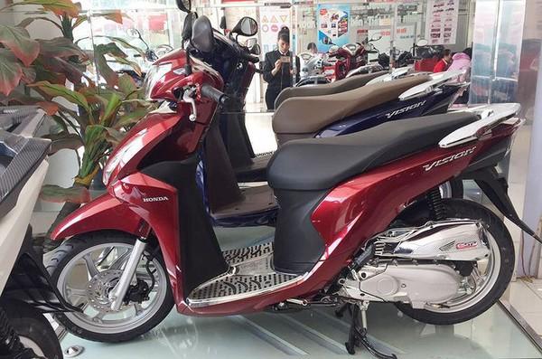 Cục Bảo vệ người tiêu dùng bất lực với xe máy Honda loạn giá - Ảnh 1.