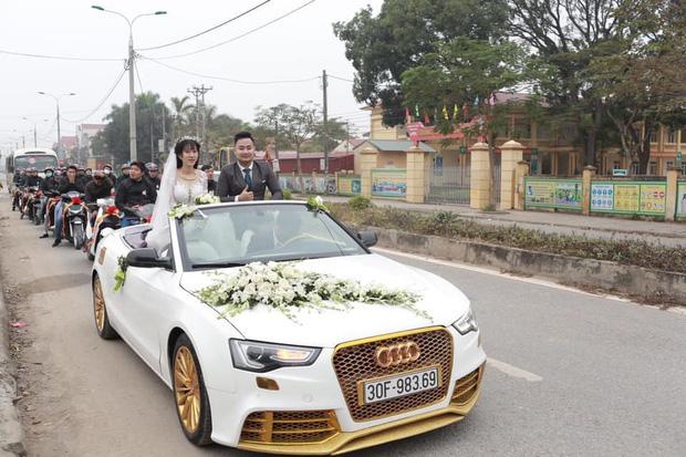 Dàn xe đón dâu cực hoành tráng ở Phú Thọ khiến dân tình trầm trồ: Xe hoa là Audi tiền tỉ, dàn SH theo sau hàng chục chiếc - Ảnh 1.