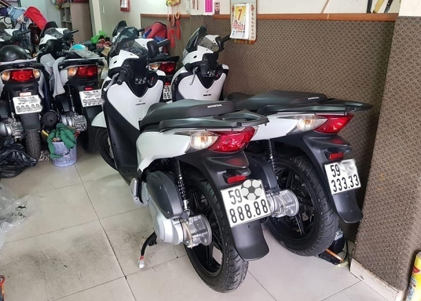 Đẳng cấp dân chơi: Honda SH biển khủng, giá ngang ô tô - Ảnh 20.