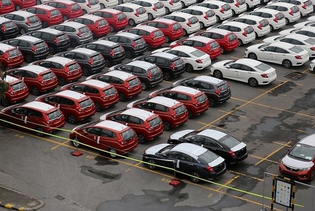 Ô tô Việt đại hạ giá năm 2019, khách hàng lợi trăm bề - Ảnh 2.