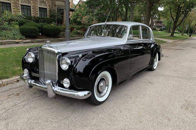 Ngày càng nhiều Rolls-Royce và Bentley cổ được chào bán về Việt Nam với giá hàng chục tỷ đồng - Ảnh 2.