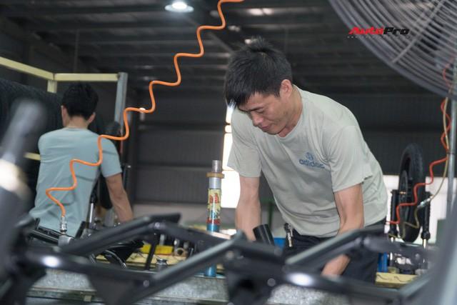 Nhân viên nhà máy Pega mỗi ngày sản xuất hàng trăm xe điện: Tôi vẫn chạy xe máy đi làm - Ảnh 2.