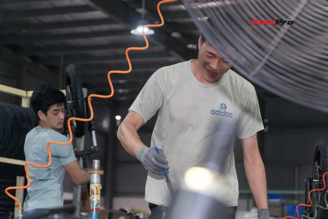 Nhân viên nhà máy Pega mỗi ngày sản xuất hàng trăm xe điện: Tôi vẫn chạy xe máy đi làm - Ảnh 6.