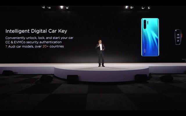 Smartphone mới nhất của Huawei có thể dùng làm chìa khoá ô tô, nhưng xem video này xong thì có lẽ chẳng ai muốn làm vậy - Ảnh 1.