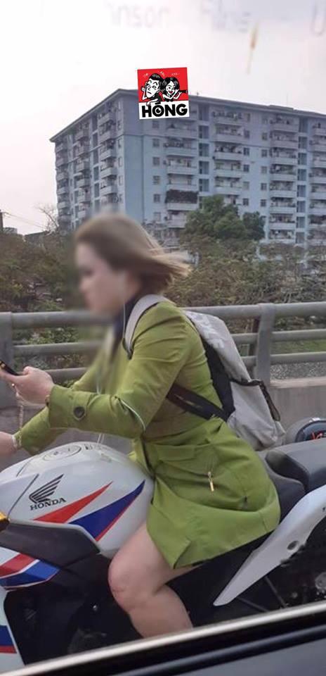 Cô gái phóng xe phân khối lớn khiến bao phương tiện tò mò áp sát, thấy rồi lại lùi xuống - Ảnh 3.
