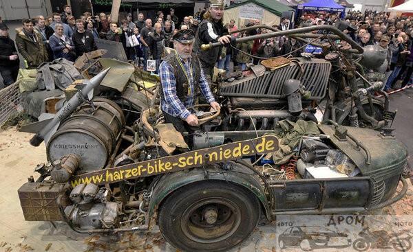 Xe máy dùng động cơ xe tăng nặng nhất thế giới thách thức dân chơi - Ảnh 5.