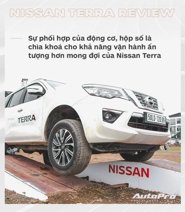 Chuyên gia Hải Kar đánh giá Nissan Terra: Bất ngờ hơn những con số trên giấy! - Ảnh 4.