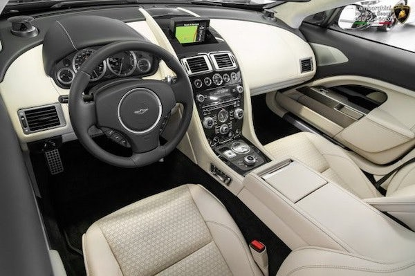 Aston Martin Lagonda Taraf chuẩn bị được bán đấu giá - cơ hội mua xe siêu sang hàng hiếm cho giới nhà giàu - Ảnh 2.