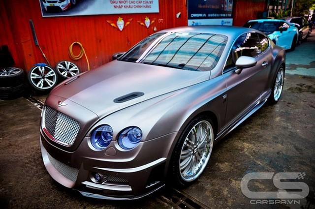 Bentley Continental GT gặp nạn tại TP. HCM, bộ bodykit độc nhất Việt Nam gây chú ý - Ảnh 3.