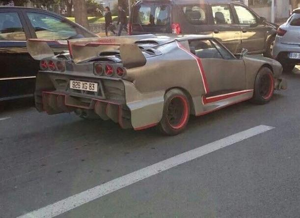 Chiếc Lamborghini Veneno giả cầy này có lẽ chẳng thuyết phục được ai ngoài chủ nhân của nó - Ảnh 3.