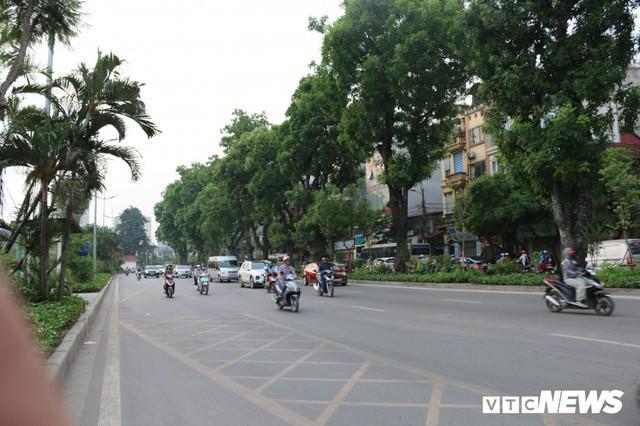 Ảnh: Đường Láng thay đổi bất ngờ, dân Thủ đô cứ ngỡ đang lạc vào đường phố Singapore - Ảnh 12.