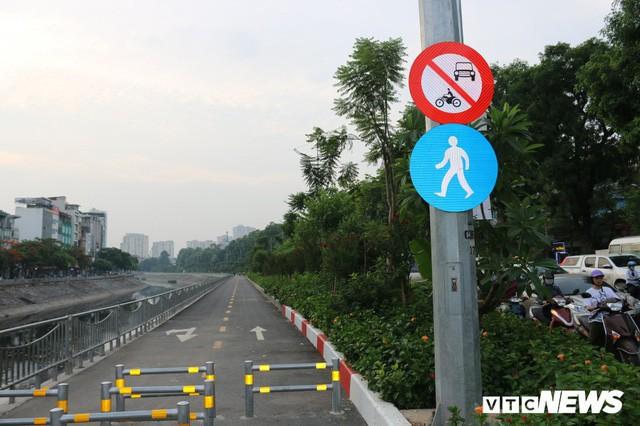 Ảnh: Đường Láng thay đổi bất ngờ, dân Thủ đô cứ ngỡ đang lạc vào đường phố Singapore - Ảnh 8.