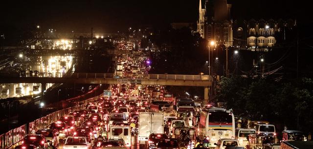 Thành phố có giao thông tồi tệ nhất thế giới, cả đường phố lẫn ga tàu đều chật ních người, đã tìm ra giải pháp khắc phục: Xây nhiều đảo nhân tạo! - Ảnh 2.